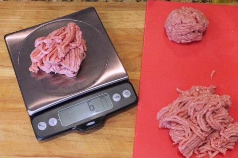 weighing-burgers
