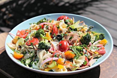 pasta primavera salad - horz